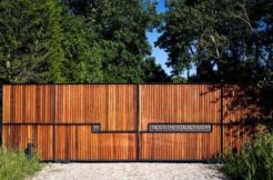 Exclusive and modern minimalist fence design ideas 16