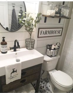 Gorgeous farmhouse master bathroom decorating ideas (1)