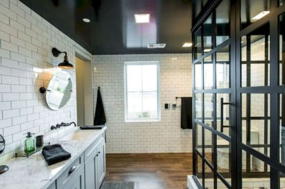 Gorgeous farmhouse master bathroom decorating ideas (2)