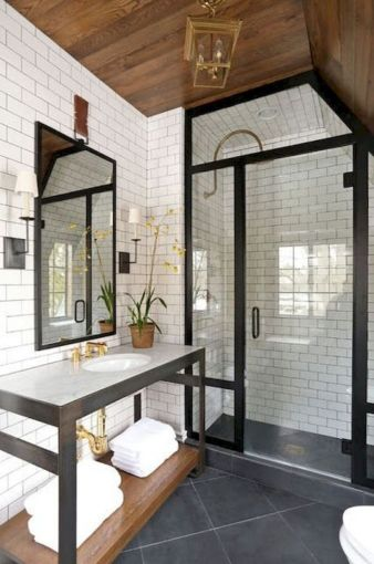 Gorgeous farmhouse master bathroom decorating ideas (20)