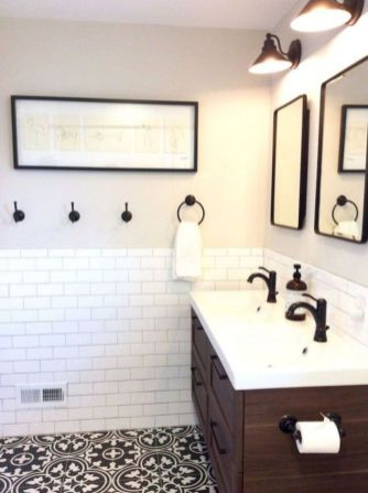 Gorgeous farmhouse master bathroom decorating ideas (33)