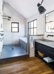 Gorgeous farmhouse master bathroom decorating ideas (42)
