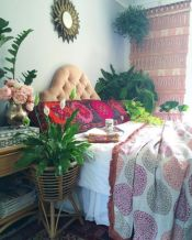 Inspired boho bedroom decorating ideas on a budget 14