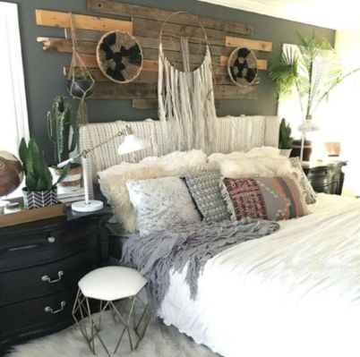 Inspired boho bedroom decorating ideas on a budget 15