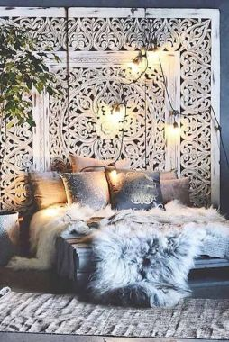 Inspired boho bedroom decorating ideas on a budget 29