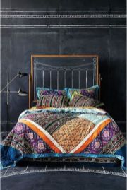 Inspired boho bedroom decorating ideas on a budget 34