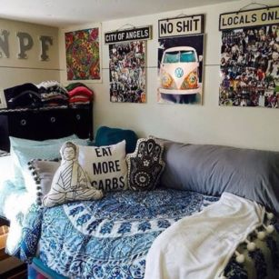 Inspired boho bedroom decorating ideas on a budget 36