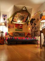 Inspired boho bedroom decorating ideas on a budget 41