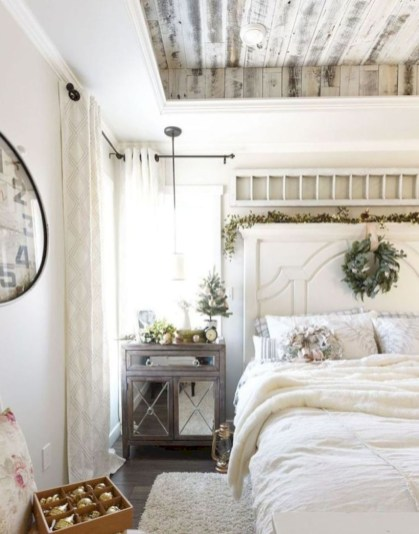 Rustic farmhouse bedroom decorating ideas (10)