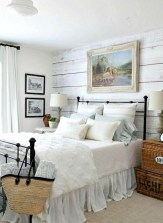 Rustic farmhouse bedroom decorating ideas (12)