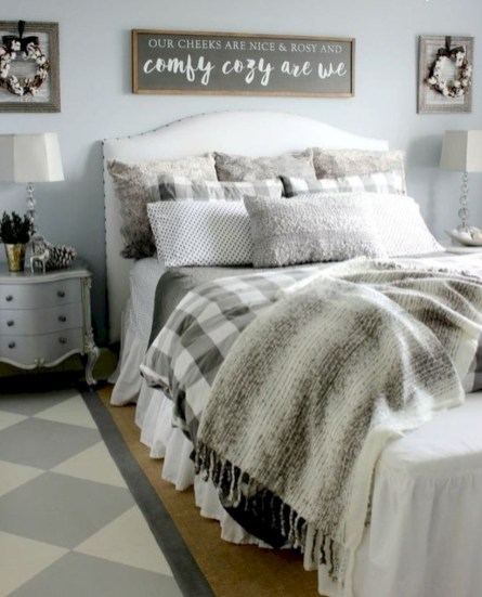 Rustic farmhouse bedroom decorating ideas (38)
