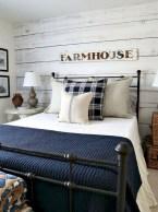 Rustic farmhouse bedroom decorating ideas (4)