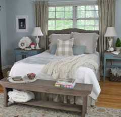 Rustic farmhouse bedroom decorating ideas (44)