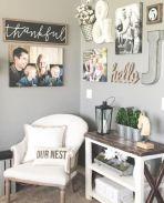 Simply and cozy farmhouse wall decor ideas (11)
