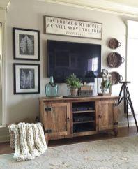 Simply and cozy farmhouse wall decor ideas (18)