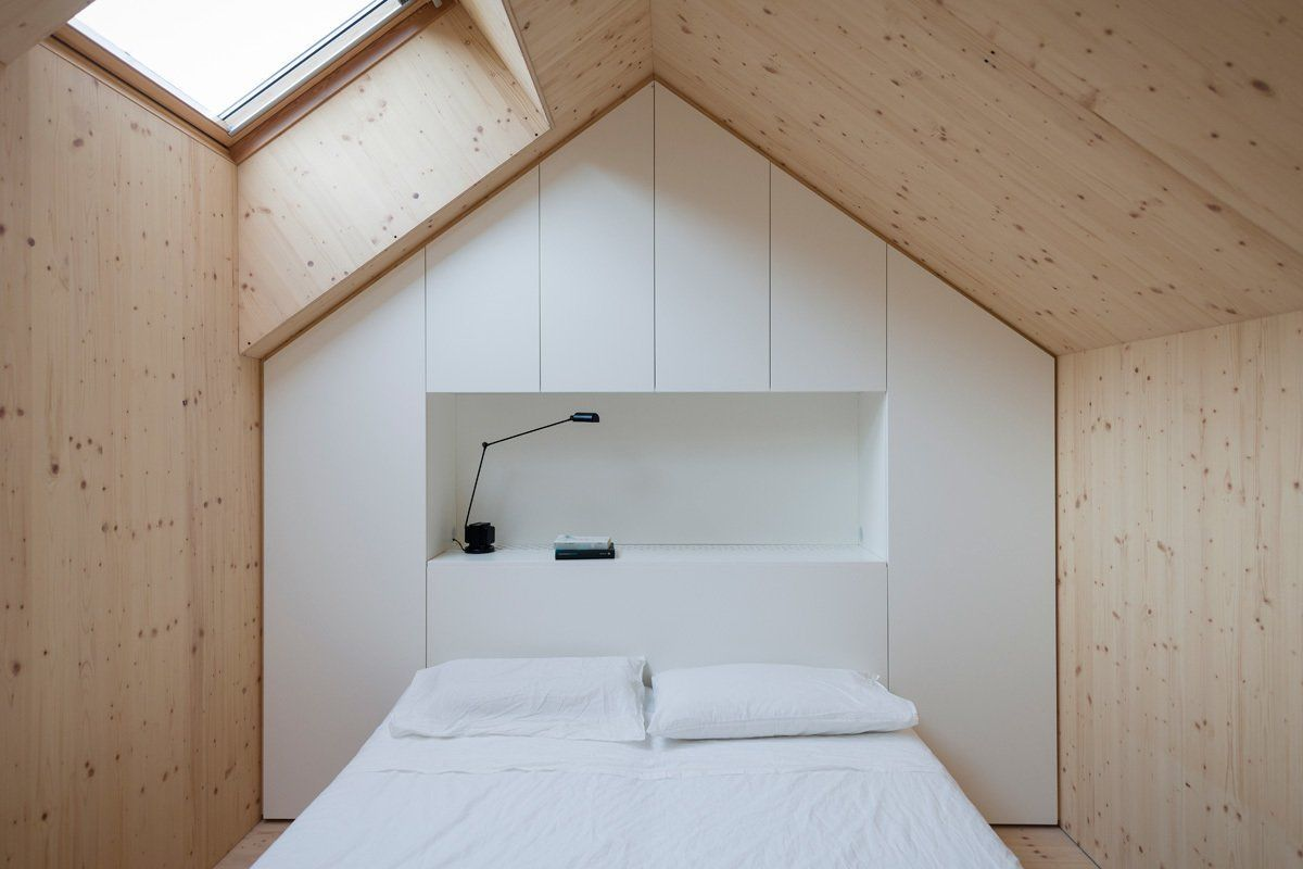 Astounding bedrooms with skylights that everyone will adore 05