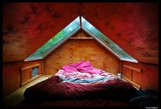 Astounding bedrooms with skylights that everyone will adore 31