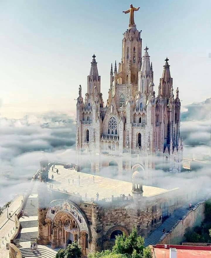 Fascinating castles to include on your bucket list 32