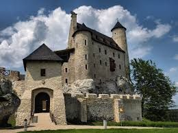 Fascinating castles to include on your bucket list 35