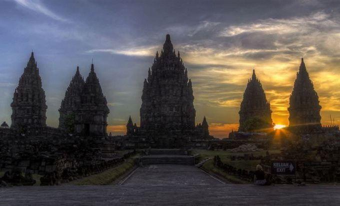 Stunning breathtaking temples around the world 12