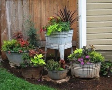 Amazing rustic garden decor ideas 03
