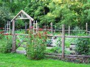 Amazing rustic garden decor ideas 09