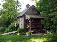 Amazing rustic garden decor ideas 24