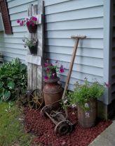 Amazing rustic garden decor ideas 31