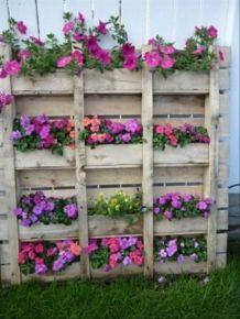Amazing rustic garden decor ideas 32