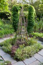Amazing rustic garden decor ideas 44