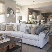 Brilliant bohemian farmhouse decorating ideas for your living room 38