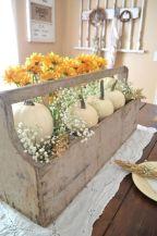 Classic and elegant european farmhouse decor ideas 31