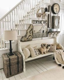 Classic and elegant european farmhouse decor ideas 42