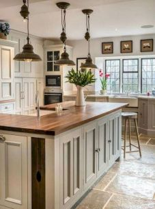 Amazing farmhouse kitchen decor ideas for inspiration 05