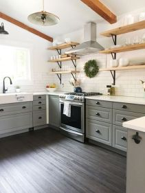 Amazing farmhouse kitchen decor ideas for inspiration 28