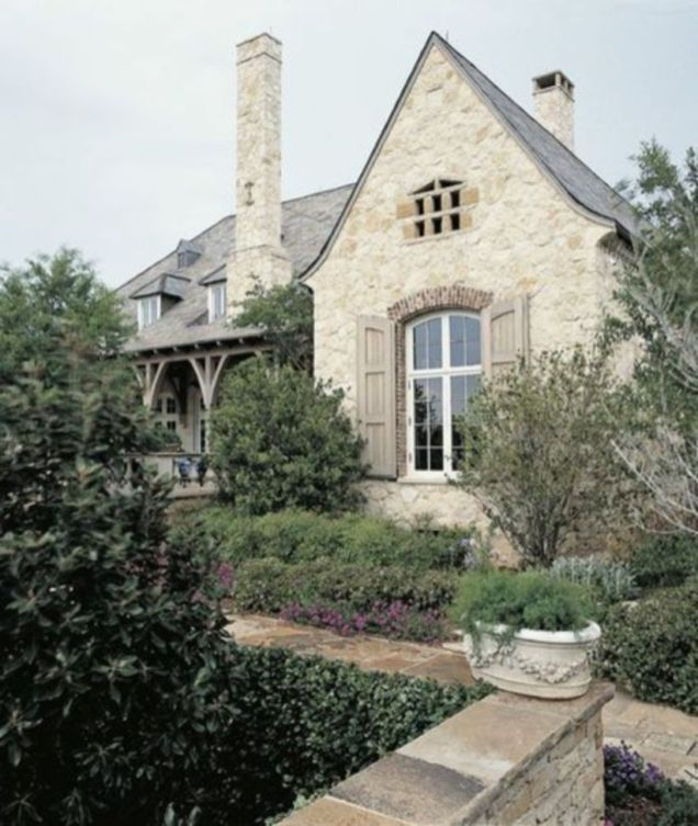 Amazing french country exterior for your home inspiration 44