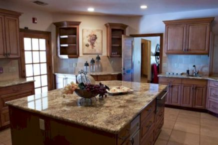 Amazing oak cabinet kitchen makeover ideas 29