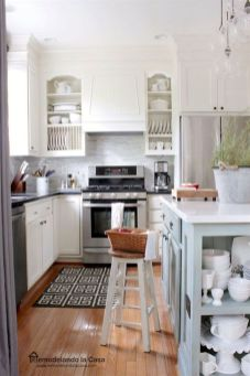 Amazing oak cabinet kitchen makeover ideas 31