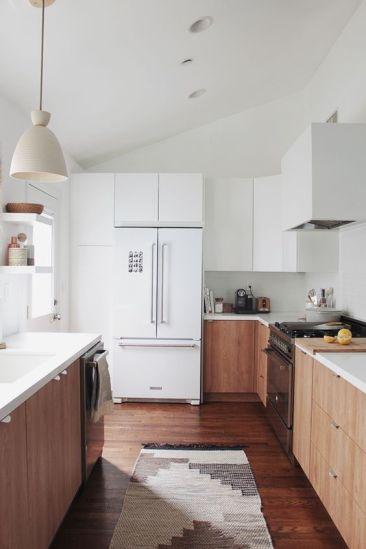 Comfy antique white kitchen cabinets ideas 09