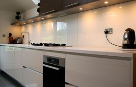 Comfy antique white kitchen cabinets ideas 23