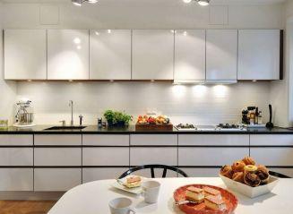 Comfy antique white kitchen cabinets ideas 36