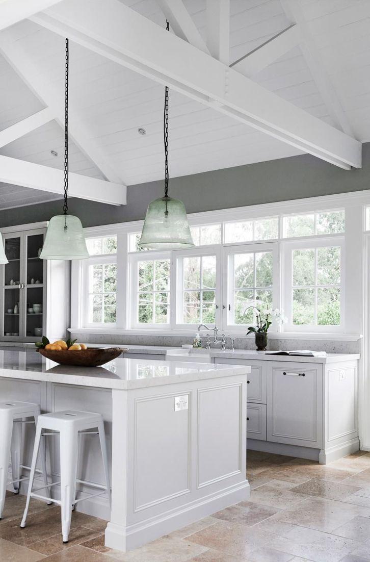 Comfy antique white kitchen cabinets ideas 47