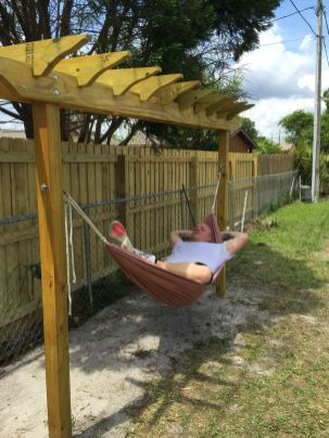 Comfy backyard hammock decor ideas 09