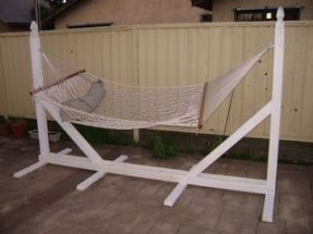 Comfy backyard hammock decor ideas 22