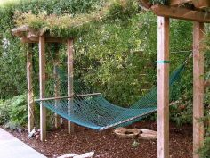 Comfy backyard hammock decor ideas 25