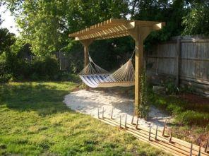 Comfy backyard hammock decor ideas 36