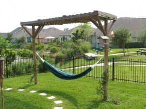 Comfy backyard hammock decor ideas 37
