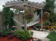 Comfy backyard hammock decor ideas 41