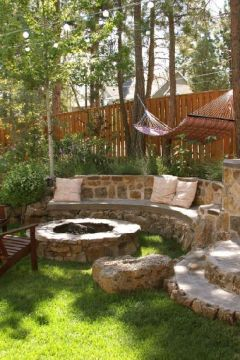 Comfy backyard hammock decor ideas 43