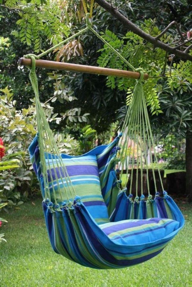 Comfy backyard hammock decor ideas 44